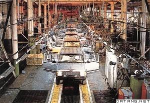 北京吉普汽车有限公司装配生产线高清图片